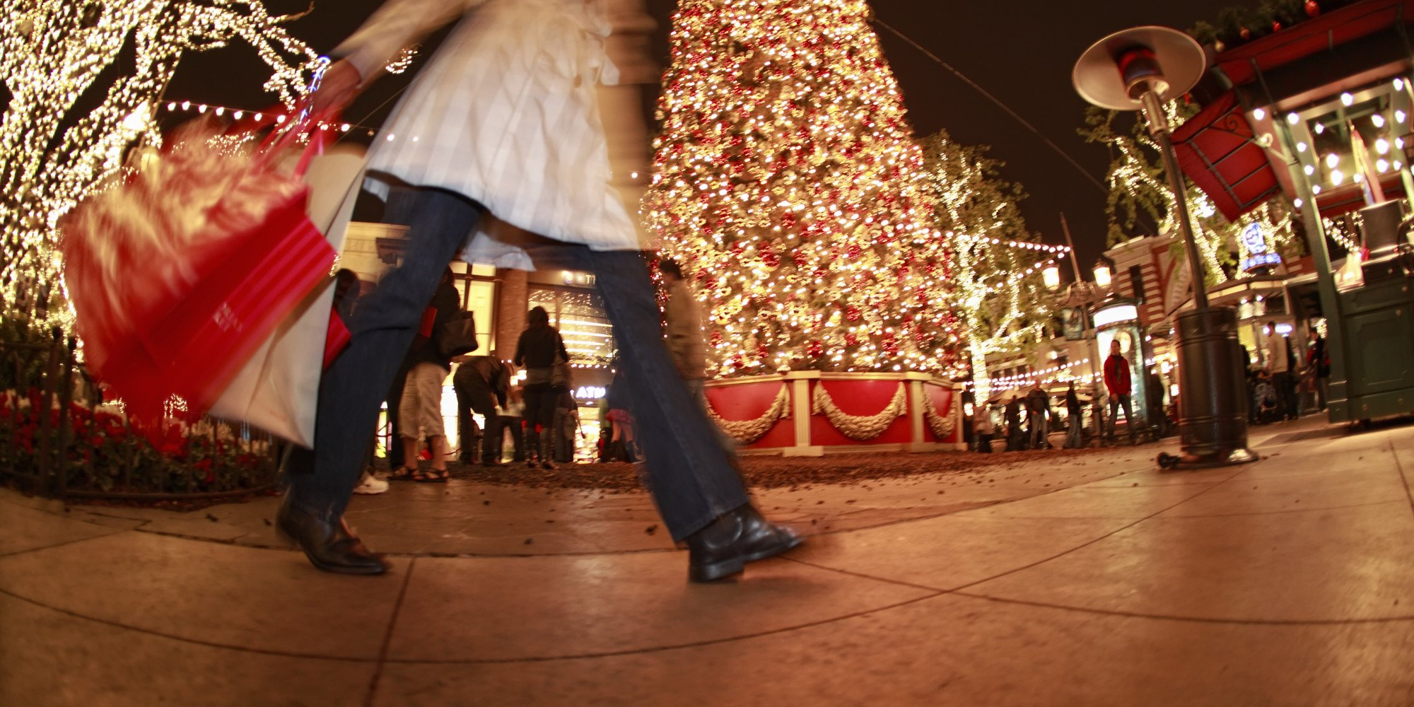Get a Christmas Gift This Year with Frequent Flyer Points